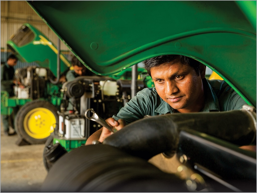 John Deere India , John Deere Service and Support , Right Profile